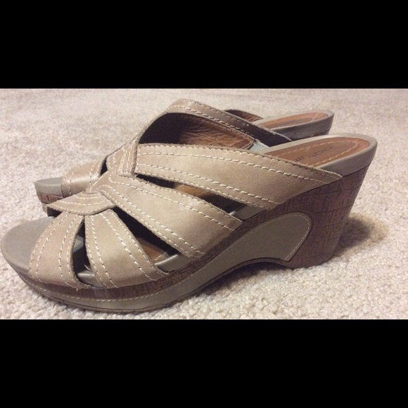Natural Soul Womens Wendi Closed Toe Loafers Size 9.0 Taupe